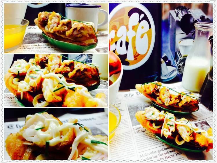 Tosta de calamares sobre aros de cebolleta con salsa mahonesa 2Collage_Fotor