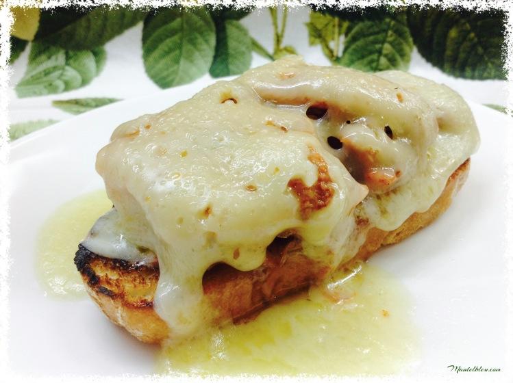 Tosta de costilla ibérica con fundido de queso 4