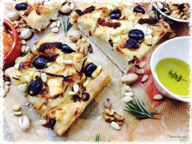 Focaccia con queso feta y aceitunas negras 3