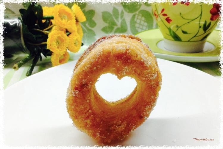 Rosquillas de hojaldre almibaradas 3