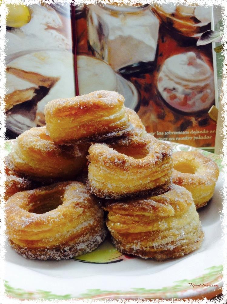 Rosquillas de hojaldre almibaradas 4