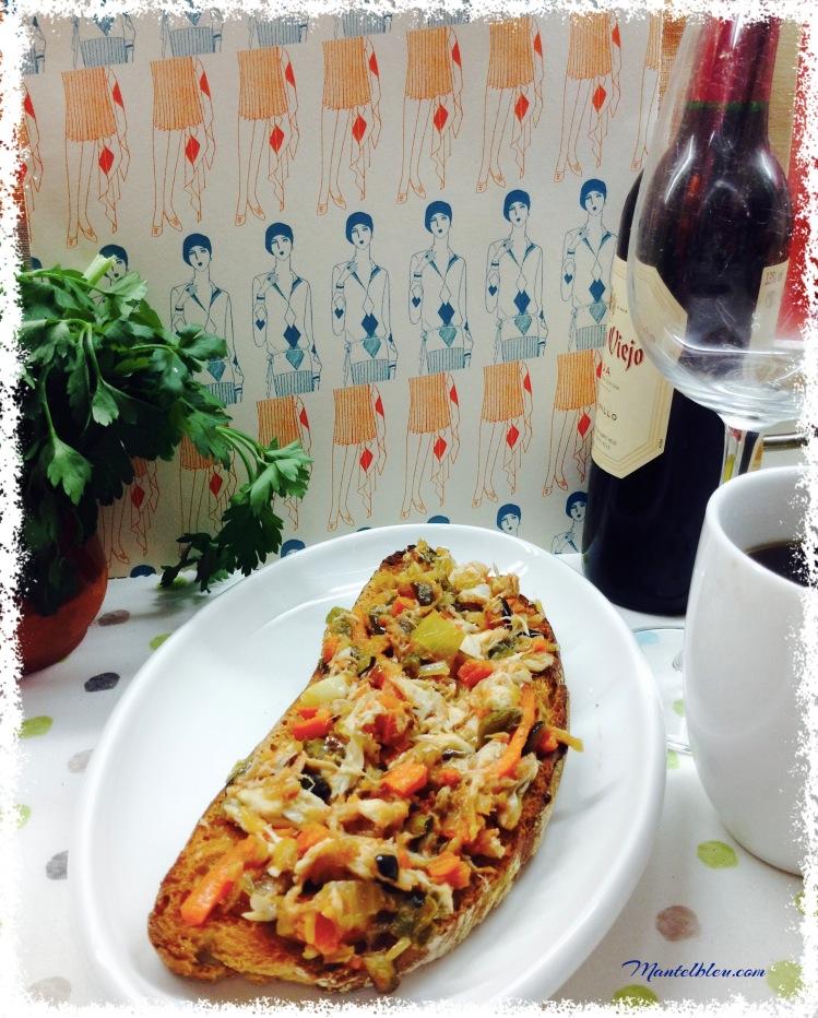 Tosta de verdel con verduras pochadas 4