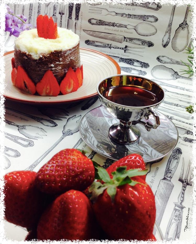 Pastel con fresas y crema de mantequilla 2