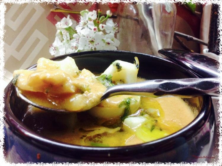 Sopa de pescado con aros de calamar 3
