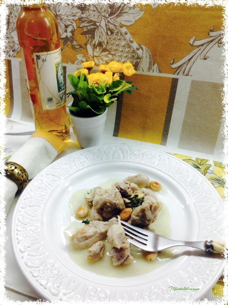 Pollo al azafrán con almendras 2