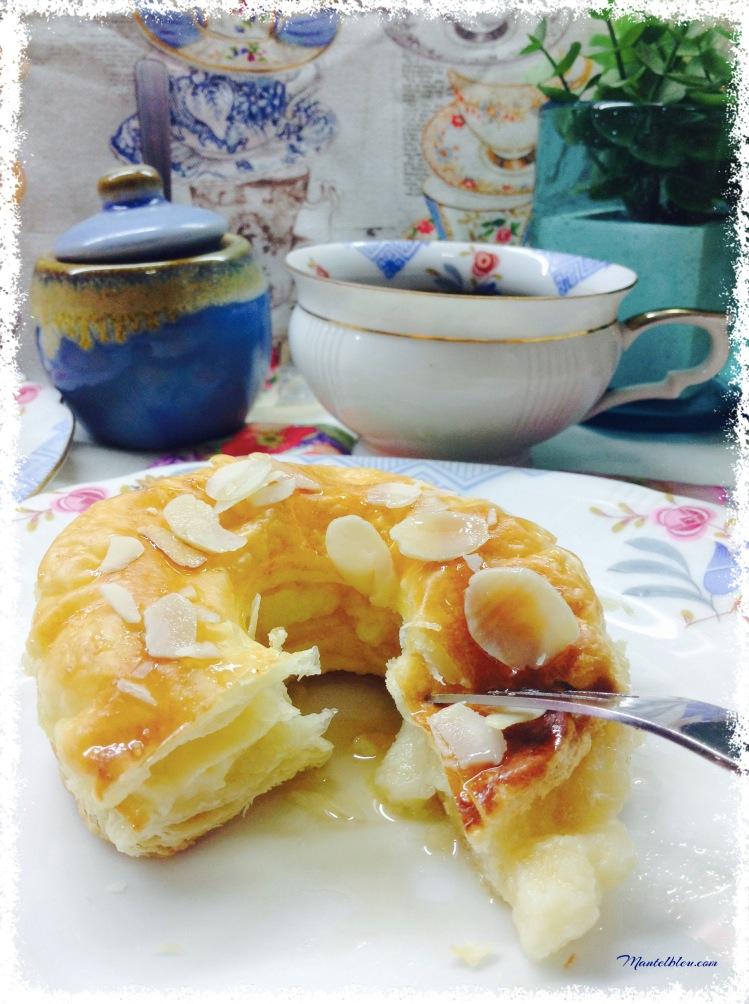 Donuts de hojaldre almibarado rellenos de crema 5