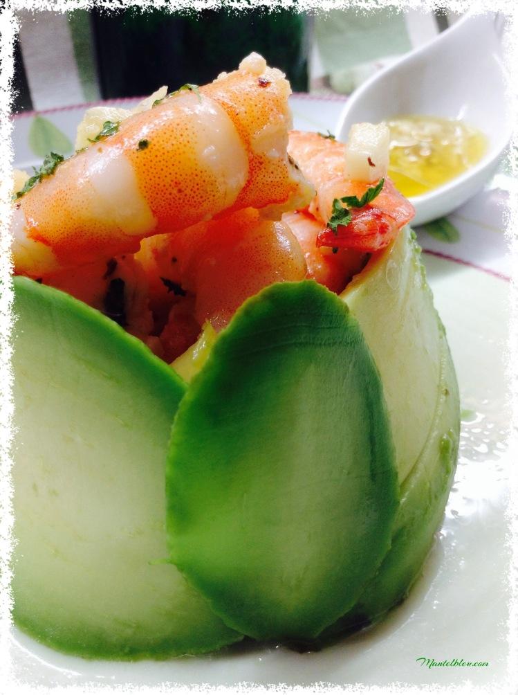 Ensalada de aguacate con langostinos en su salsa 5