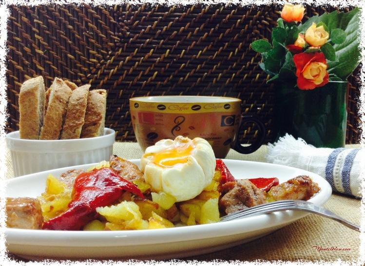 Fritada de patatas con carne adobada y pimientos rojos 1
