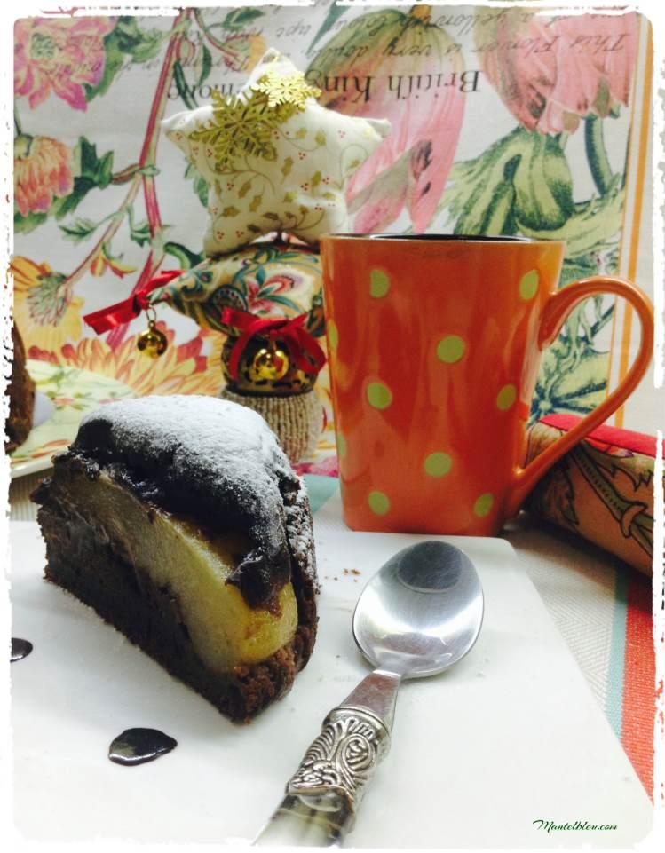 Bizcocho de chocolate relleno de peras en almíbar 6