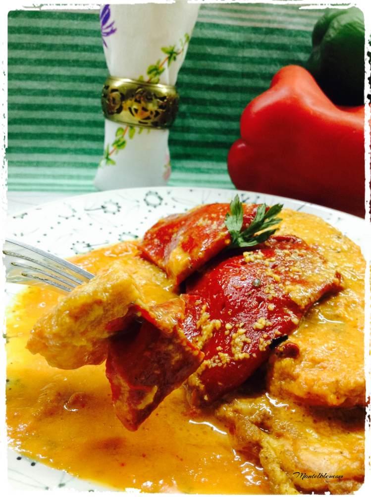 Lomo de pimientos del piquillo con salsa roja 4