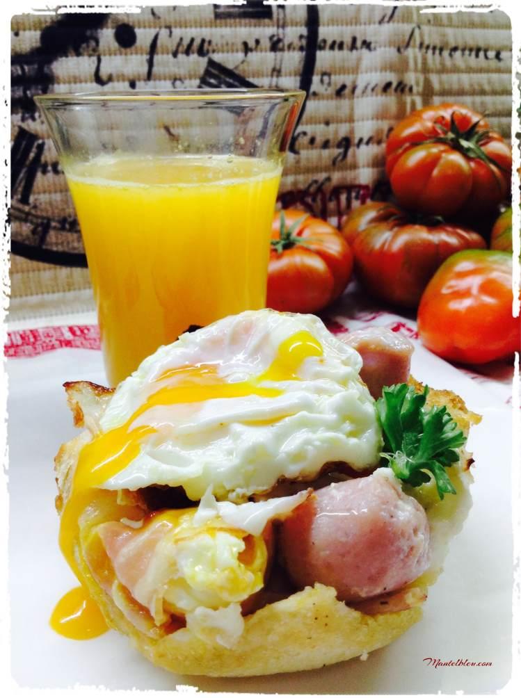 Tartaleta con huevo y salchicha 2