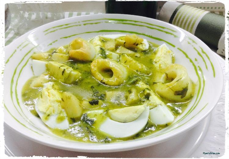 Huevos en salsa verde con aritos de calamar 1