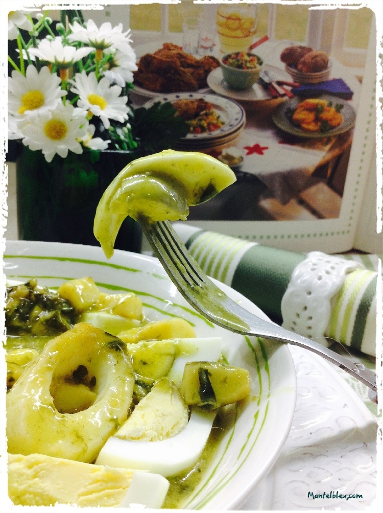Huevos en salsa verde con aritos de calamar 5