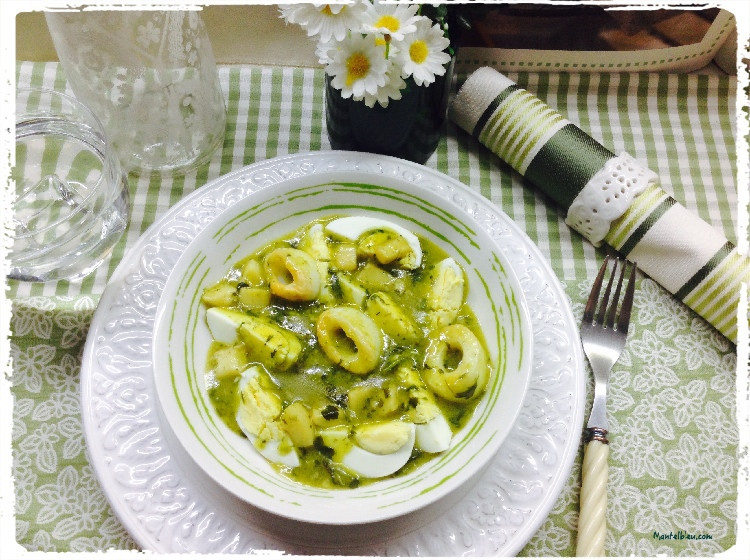 Huevos en salsa verde con aritos de mar 3