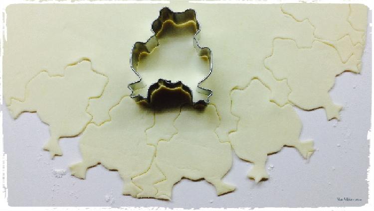 Ranitas de hojaldre rellenas de crema de mantequilla. Elabración 1