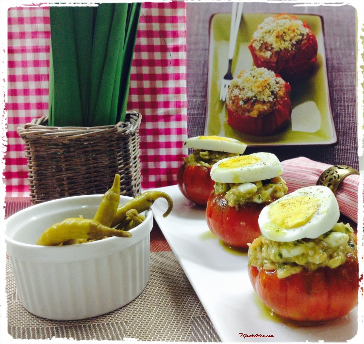 Ensalada en tomate con huevo y bonito 3