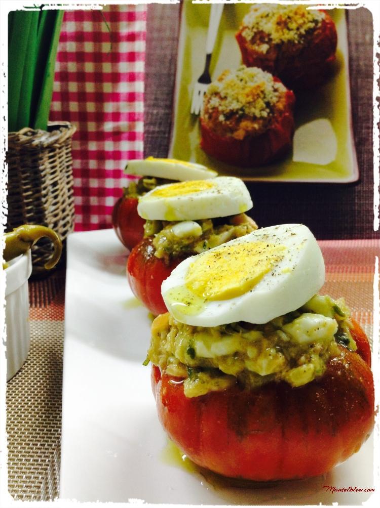 Ensalada en tomate con huevo y bonito 4