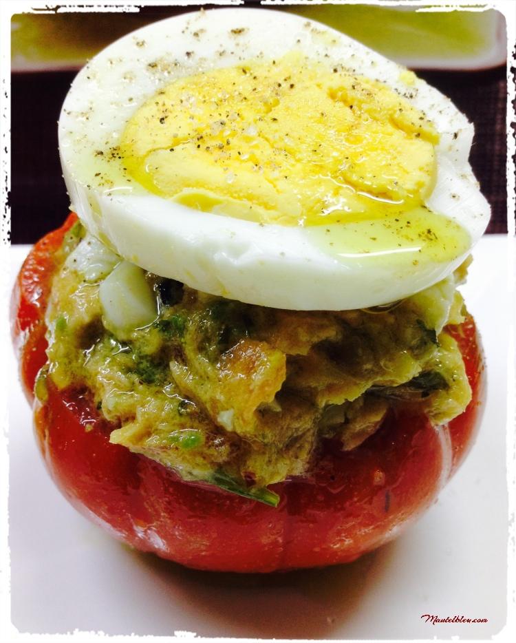 Ensalada-en-tomate-con-huevo-y-bonito-1